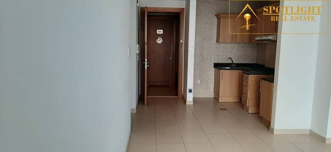 Well-Maintained 1BR with Balcony and Open Kitchen