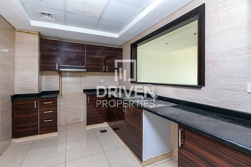 2 Spacious 1 Bed Apartment with Pool Views
