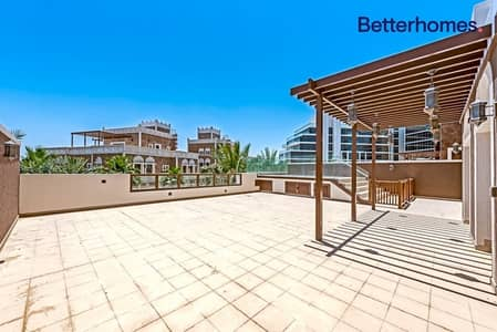 4 Bedroom Townhouse for Sale in Palm Jumeirah, Dubai - Immediate Sale | Private Terrace & Pool | Townhouse
