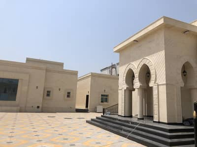 9 Bedroom Villa for Sale in Al Jurf, Ajman - One floor villa with an area of 34000 feet next to the Sheikh Zayed Mosque