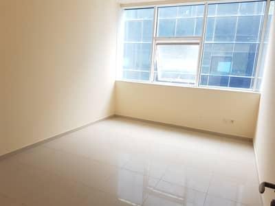 شقة في النهدة 1 غرف 22000 درهم - 4638050