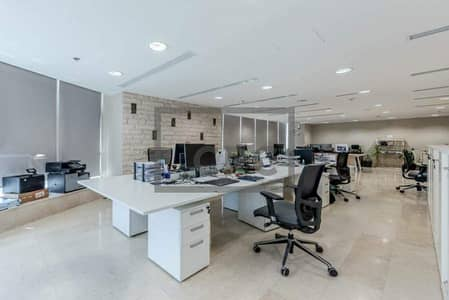 Office for Sale in Jumeirah Lake Towers (JLT), Dubai - Fitted Office|SZR View|High-Floor|Near Metro (Unfurnished)