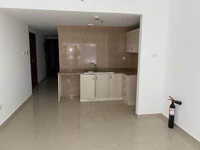 استوديو  للايجار في النهدة، الشارقة - شقة في النهدة 18000 درهم - 4638381