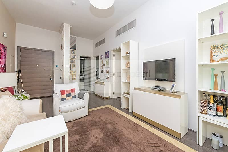 2 Upgraded | Fully Furnished 1BR| Vacant on Transfer