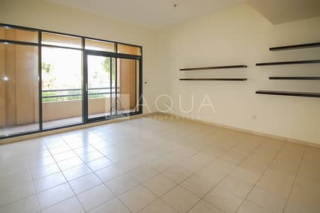 3 Bedroom Flat for Rent in The Views, Dubai - 3BR+Courtyard | Upgraded kitchen | Vacant
