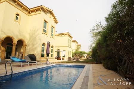 5 Bedroom Villa for Rent in Jumeirah Islands, Dubai - 5 Bedrooms | Well Maintained | Lake View