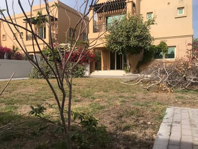 New finish modern 4 bedroom  plus maid villa with pvt garden and shared pool in Jumeirah 3