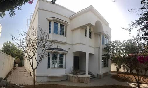 Excellent 5 bedroom independent villa with pool jumeirah