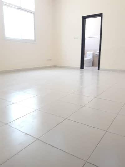 Nice villa for rent in khalifa city (B ) - good space - good location - good kitchen 5- bathroom. (hall) for rent in Shakbout City good location - very big space- big