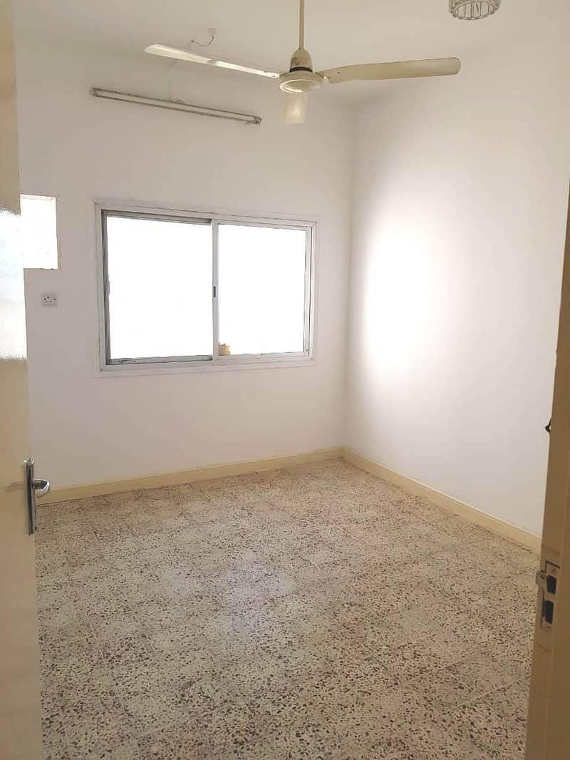 شقة في شارع خالد بن الوليد بر دبي 2 غرف 40000 درهم - 4645276