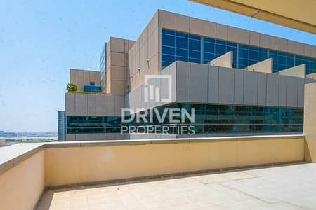 1 Bedroom Flat for Rent in Business Bay, Dubai - Huge 1 Bedroom Apartment with Large Balcony