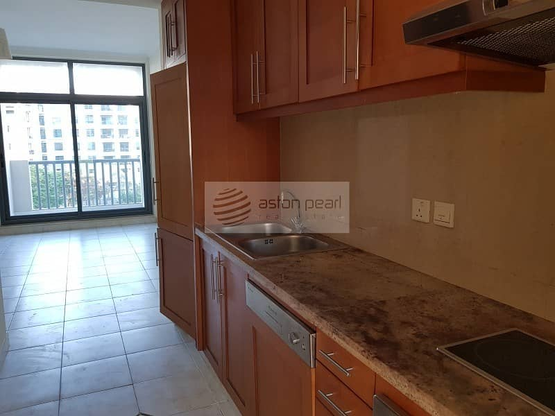 2 Must See || Well Maintained STUDIO || Chiller Free
