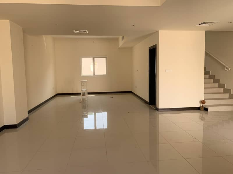 Large Four Bedroom Villa with Kitchen Appliances