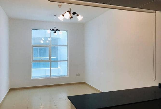 شقة في برج المدينة النعيمية 3 النعيمية 1 غرف 325414 درهم - 4646033