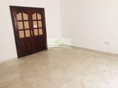 Big studio flat for rent in al Mushrif area nearby Mushrif mall