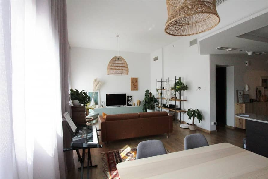 FULLY FURNISHED | DUPLEX / 2 BED / UPGRADED