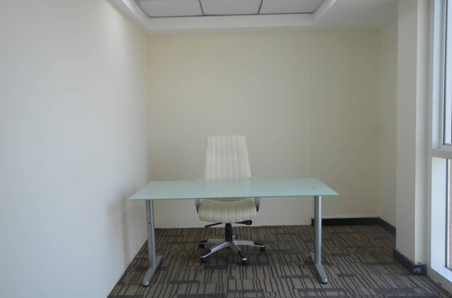 Relaxing and Comfortable Office Space