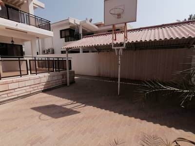 5 BHK Villa with majlis, living dining, 4 baths, ceramic flooring and nice finishing