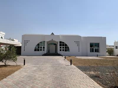 فیلا 3 غرف نوم للايجار في أم سقیم، دبي - Fully Independent villa with Large garden area in Umm al sheif