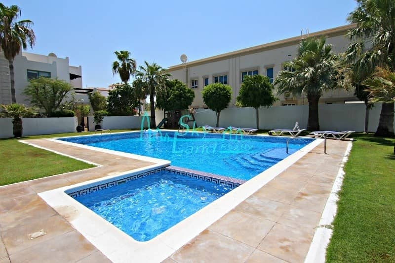 1 Beautiful 3 Bed+M|Large Private Garden|Shared Pool