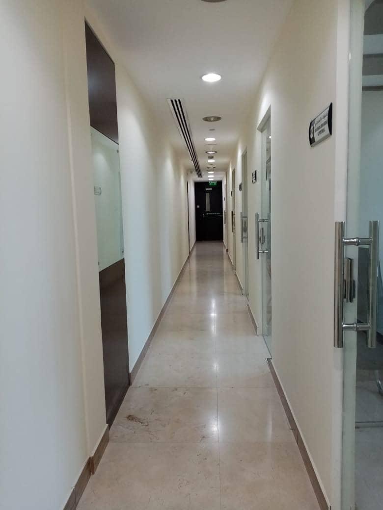 مکتب في مزيد مول مدينة محمد بن زايد 16000 درهم - 4395211