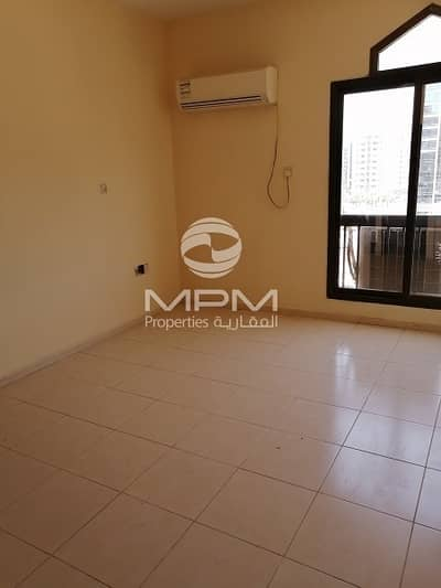 3 Bedroom Flat for Rent in Tourist Club Area (TCA), Abu Dhabi - Reasonable 3 Bedrooms Apt. with Split A/C