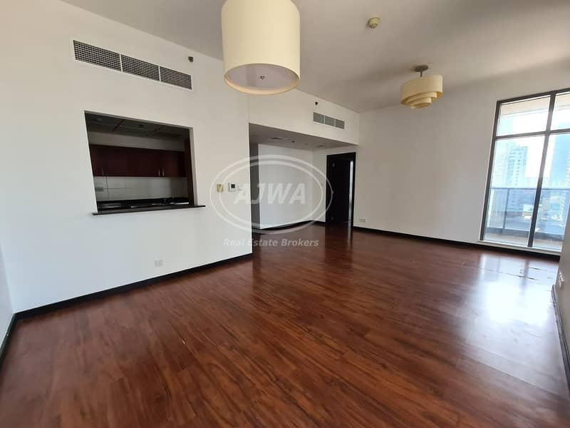 1 BR In Green Lakes   near metro station