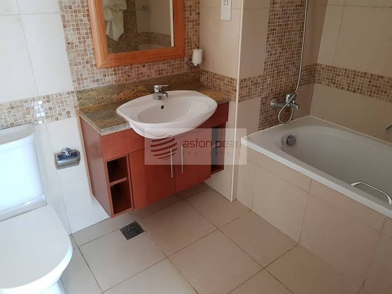 10 Large layout | 1 Bedroom on High Floor| Canal View