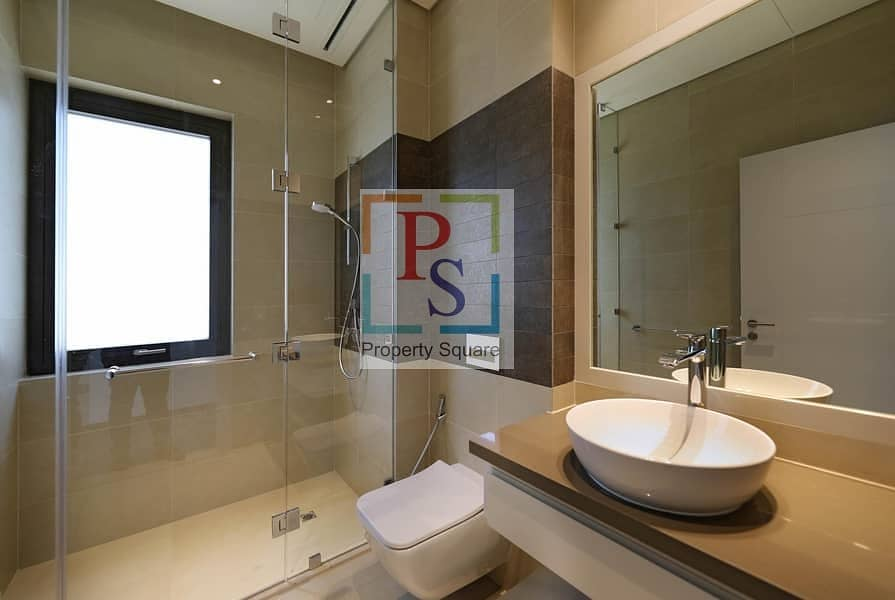 18 Hi End Finishing 4BR Villa for Luxurious Living