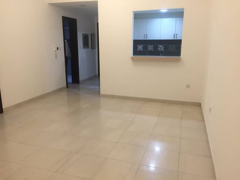 for sale spacious flat one bed room in silicon oasis heights2 dubai 480,000