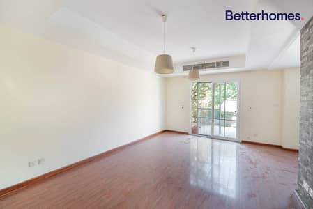 2 Bedroom Villa for Rent in The Springs, Dubai - Upgraded flooring I Type 4M I Close to Park
