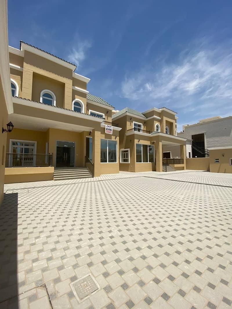 Alluring Commercial Villa in Khalifa City