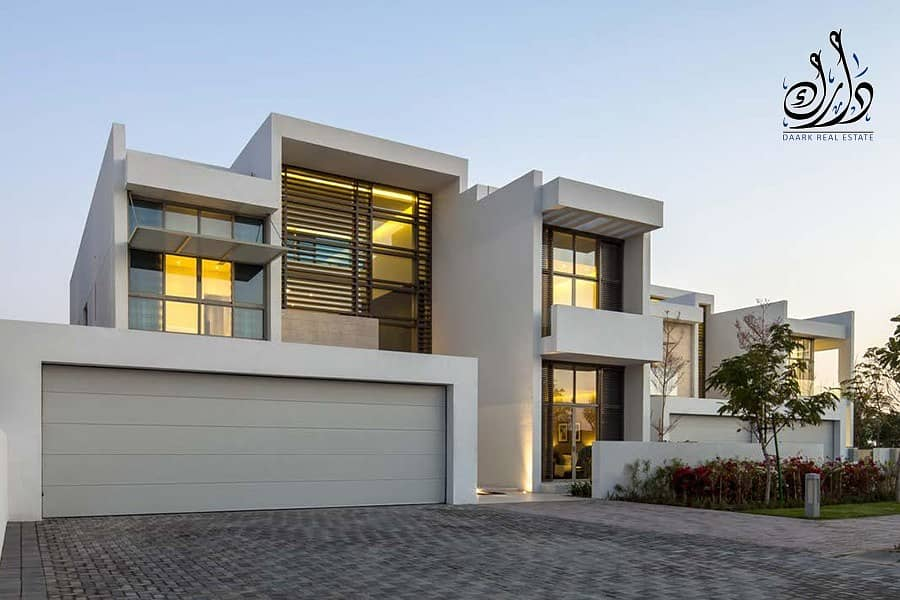 villa in Downtown Dubai with crystal lagoon View