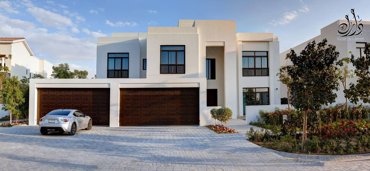 2 villa in Downtown Dubai with crystal lagoon View