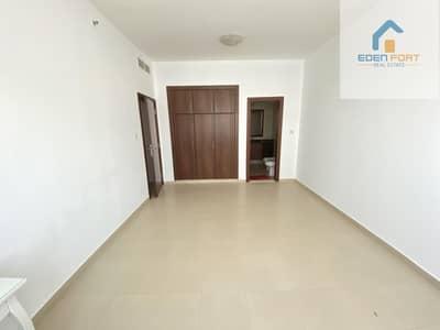 فلیٹ 1 غرفة نوم للايجار في مدينة دبي الرياضية، دبي - Closed Kitchen Semi Furnished One Bedroom flat