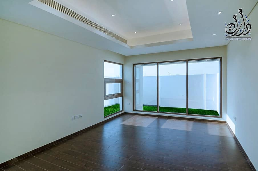 2 your New Villa ( Ready to Move in )in Dubai downtown with 10 years installment