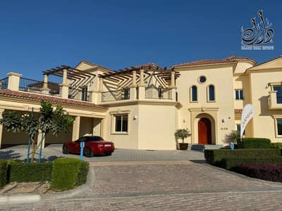 5 Bedroom Villa for Sale in Jumeirah Golf Estate, Dubai - luxury Villas ready to move in with 30% discount