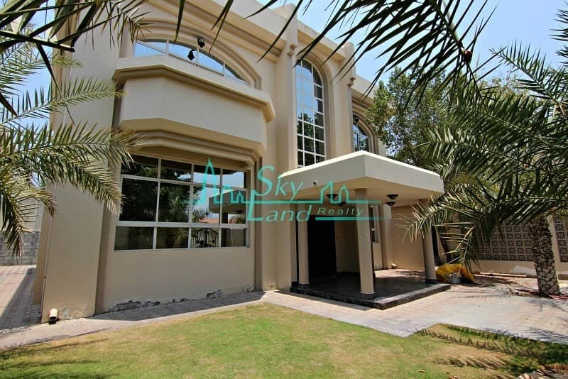 2 Spacious 4 Bed+M Villa With A Private Pool