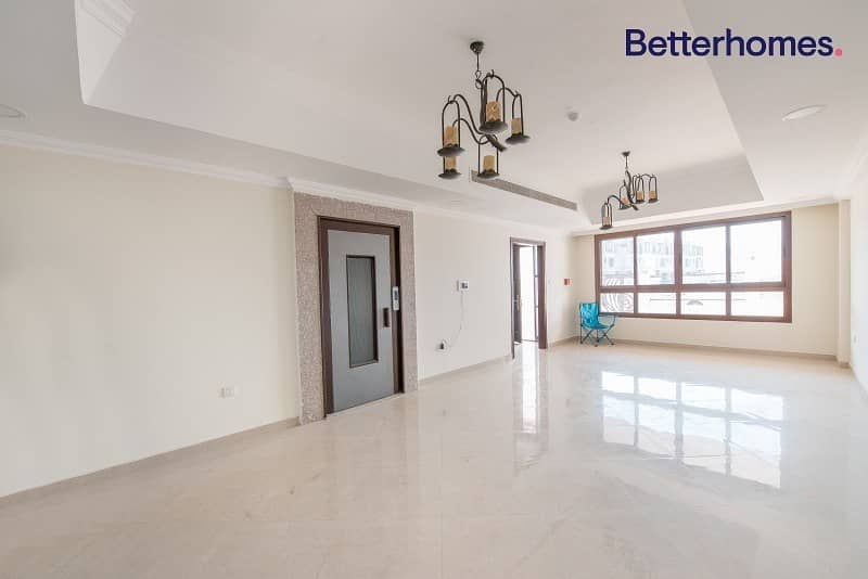 High End |Private Elevator | Maids | Vacant