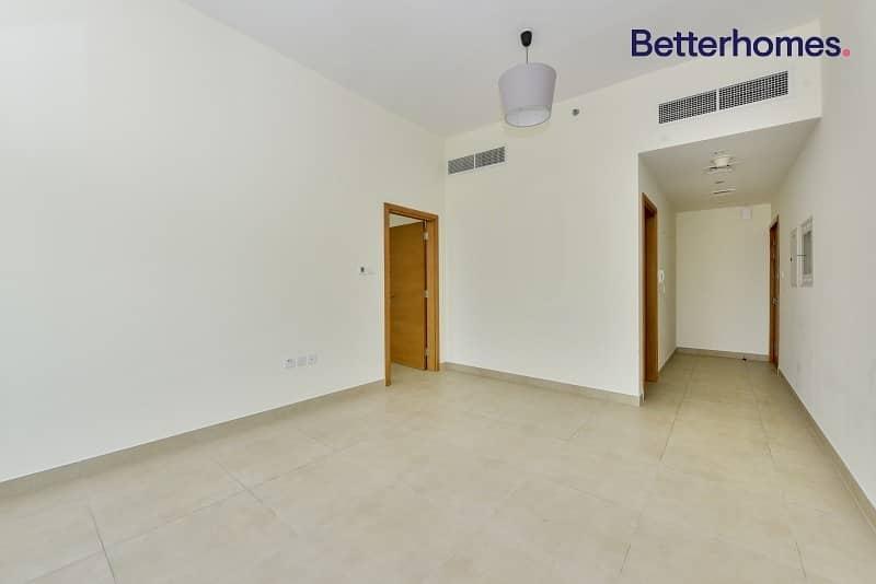 2 Spacious 1BR Apartment|Westburry|For Rent