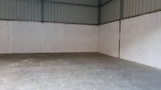 Warehouse for Rent in Industrial Area, Sharjah - 1500 sq ft warehouse close to Qusais signal in Industrial area no 3, Sharjah