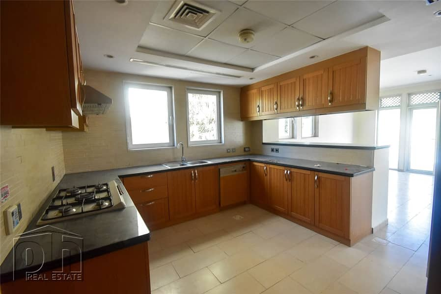 2 Available Now | Well Maintained | 3 Bed