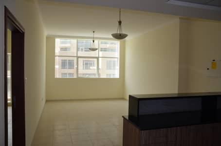 1 Bedroom Flat for Rent in Downtown Dubai, Dubai - Spacious Apartment Near Dubai Mall for Rent