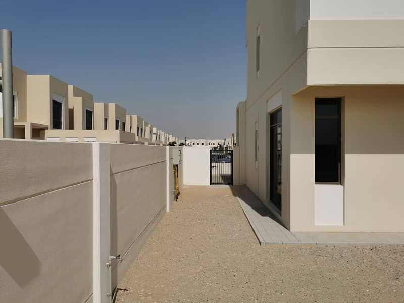 27 4 Bedroom Townhouse Rent in Hayat Townhouse Extreme Corner Unit