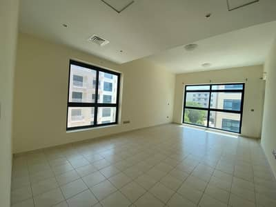 Beautiful Spacious One Bedroom Apartment