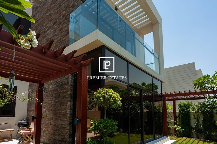 Fully Furnished|Fountain view| Near Pool Villa|5BR