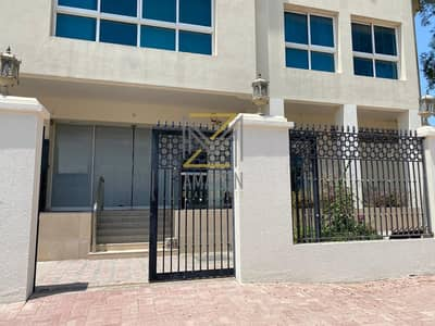 Villa for Rent in Jumeirah, Dubai - AMAZING ang Huge Commercial Villa (open for different concept) for RENT / VACANT Ready to Move In! - Jumeirah 2