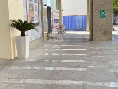 Shop for Sale in Downtown Dubai, Dubai - For Sale - Shop  in down town with good rent