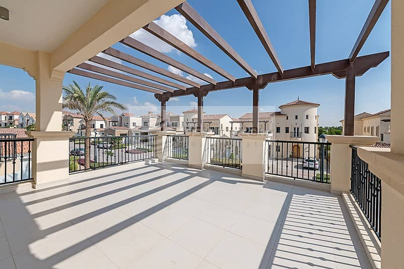 2 Luxuriously Furnished 4 Bedroom