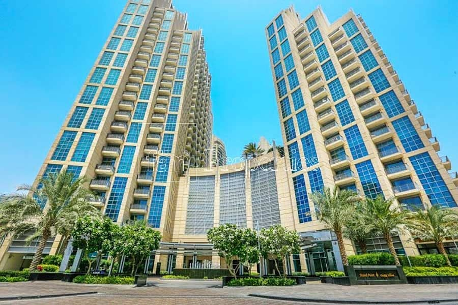 2 2 Bed with Burj Khalifa views For Rent